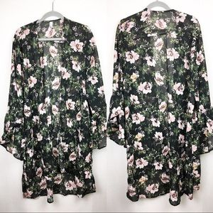 3/$25 Live $ Truth| Floral Bell Sleeve Kimono